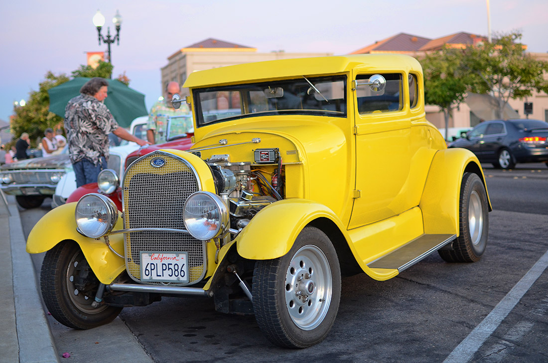 Cruisin Grand Escondido Car Show